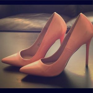 Madden girl NEW peach heels size 7.5M